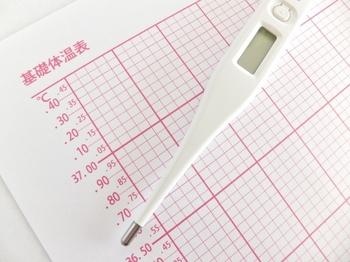 赤ちゃんに体温計